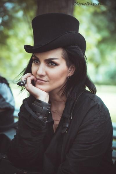 Шляпа цилиндр на Кате Стул.Купить шляпу цилиндр в интернет-магазине СПб