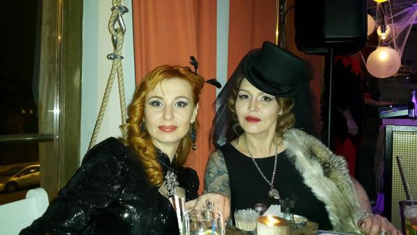 Шляпа цилиндр для экстрасенса Натальи Бантеевой. Купить шляпу цилиндр с фатой. Казино Таро на Halloween