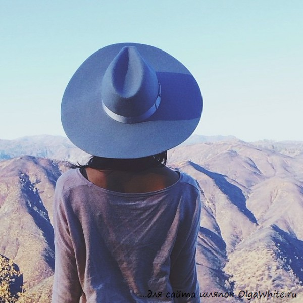 Фото девушек в широкополых шляпах фетровых