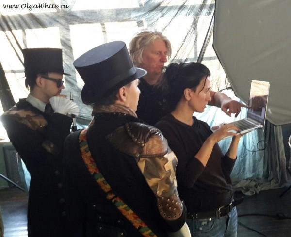 Черные атласные цилиндры для группы Пикник и Эдмунда Шклярского. Тур