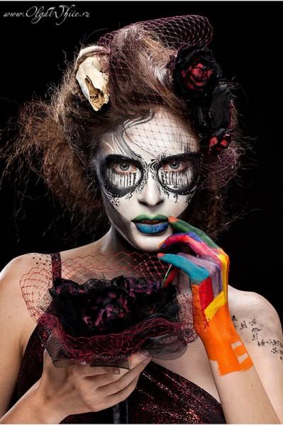 Готический образ с бодиартом-череп и вуалетка для девушки на вечеринку halloween