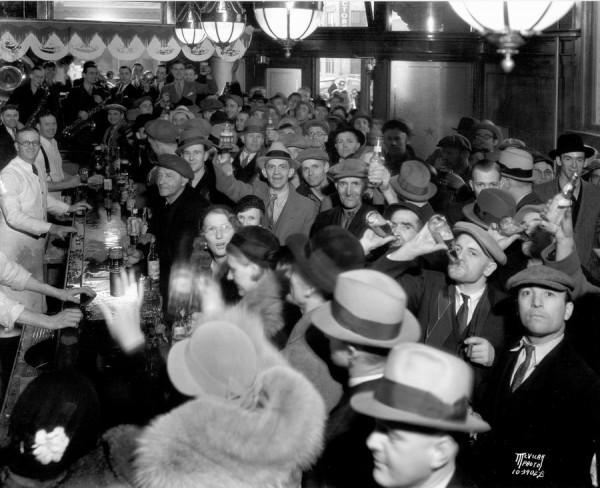 Подпольный бар во времена сухого закона - аншлаг