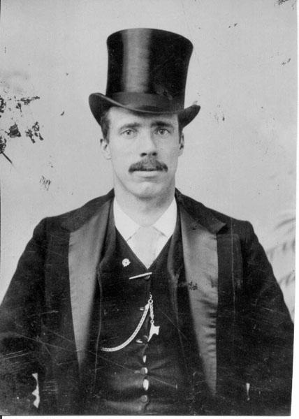 Мужчина по фамилии Морган, 1895 год