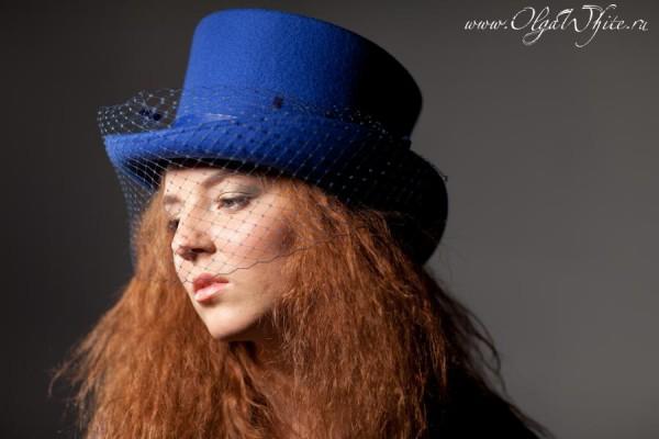 Цилиндр женский с вуалью синий