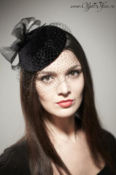 Маленькая черная шляпка-таблетка с вуалью. Купить в интернет-магазине шляп.