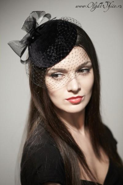 Маленькая черная шляпка-таблетка с вуалью. Купить в Санкт-Петербурге