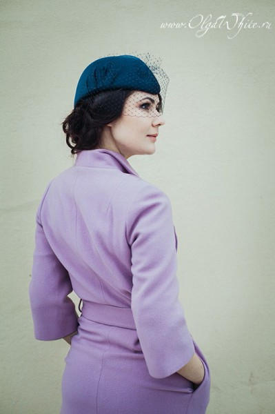 Темно-синяя шляпка-пилотка с вуалью на заказ