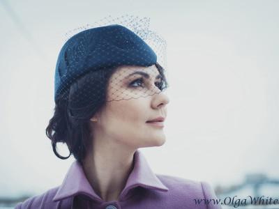 Синяя женская шляпка - пилотка с вуалью