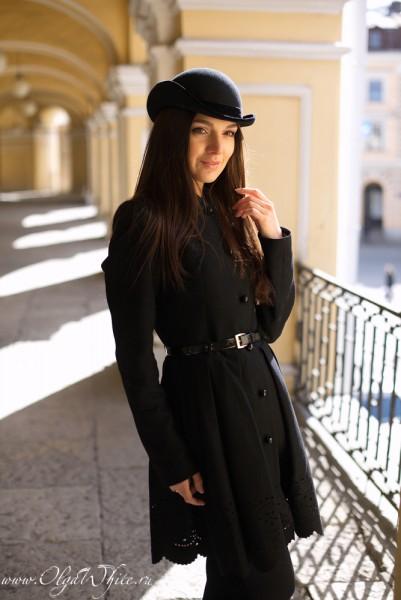 Маленькая женская шляпка - котелок