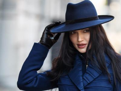 Синяя фетровая широкополая шляпа с прямыми полями