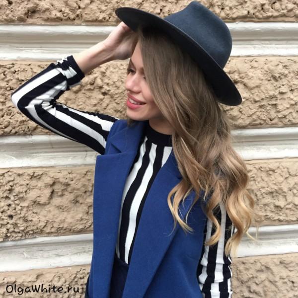 Модная фетровая широкополая шляпа на затылке купить в Спб