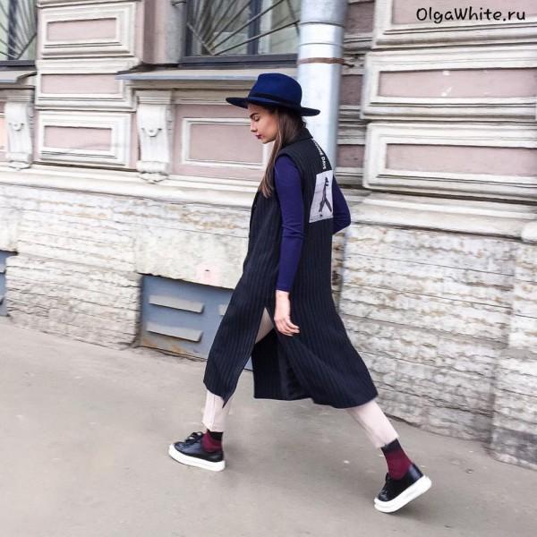 Модная широкополая шляпа на затылке фетровая купить в Спб