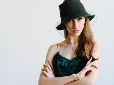 Зеленая фетровая женская шляпа. Купить шляпку с вуалью